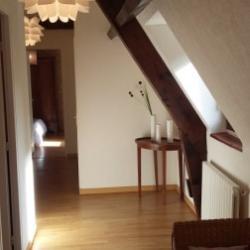 Hall déservant les chambres au premier étage.