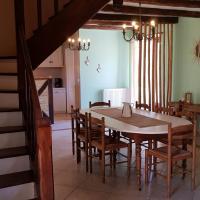 La salle à manger de Chez Alphonse permet également le repas de ces hôtes